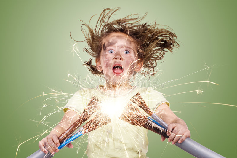 Mơ thấy điện giật đánh con gì?