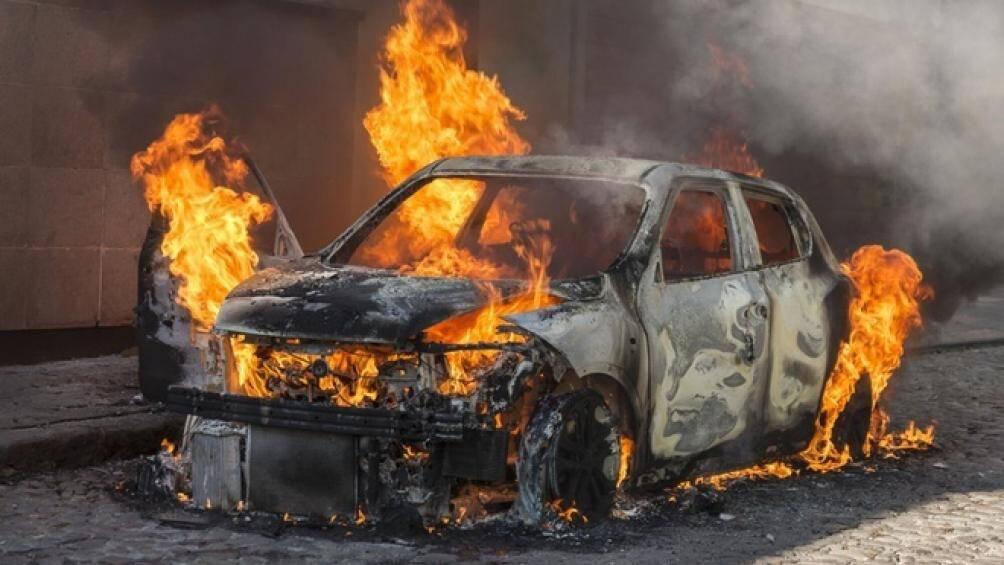 Mơ thấy xe bốc cháy là điềm báo gì? Đánh lô đề con nào?