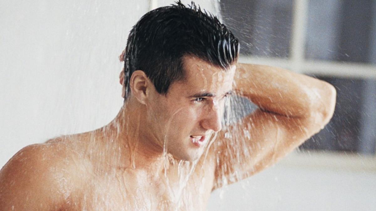 Nằm mơ thấy đi tắm có ý nghĩa gì? Đánh lô đề con gì?