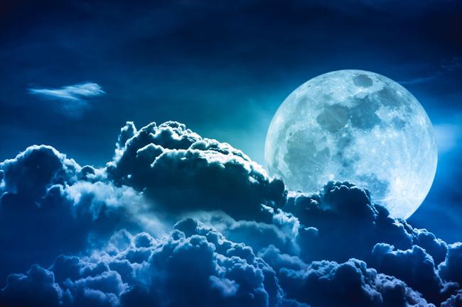 Nằm mơ thấy hai mặt trăng có ý nghĩa gì? Đánh lô đề con gì?